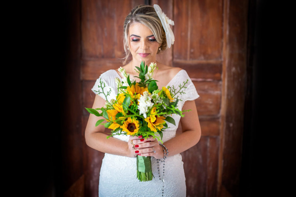 3 noiva segurando buquet casamento campinas - Fotógrafo de Casamento