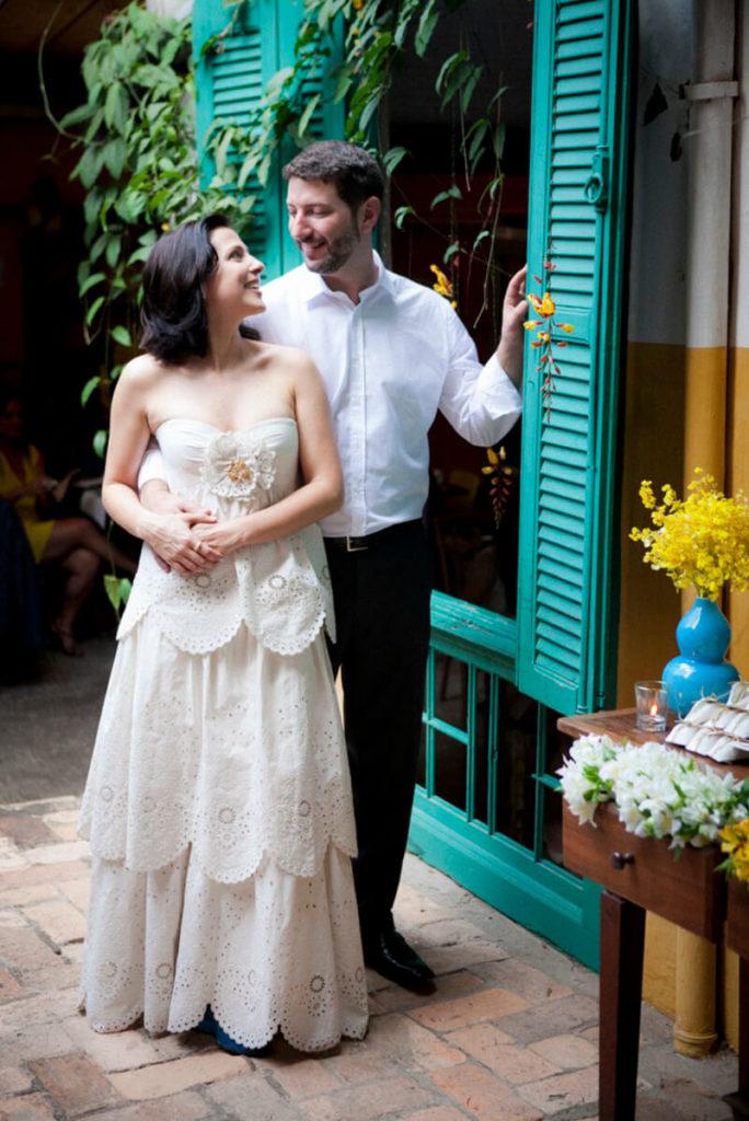 Ensaio fotográfico de noivos em Mini Wedding Restaurante Vila Madalena