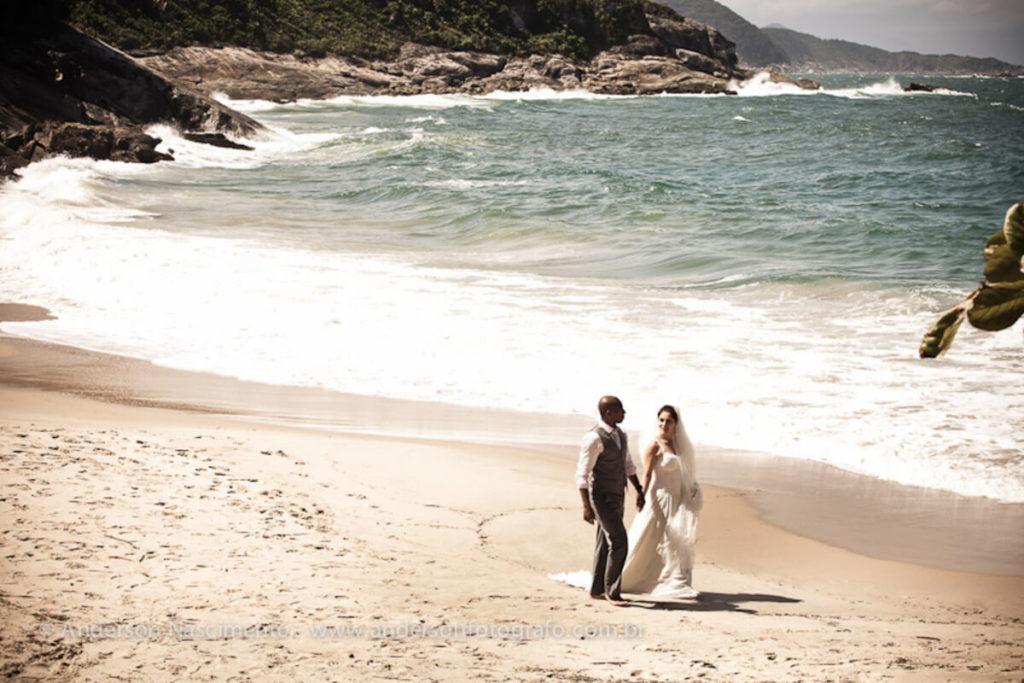 ensaio-fotografico-casal-praia-do-eden1
