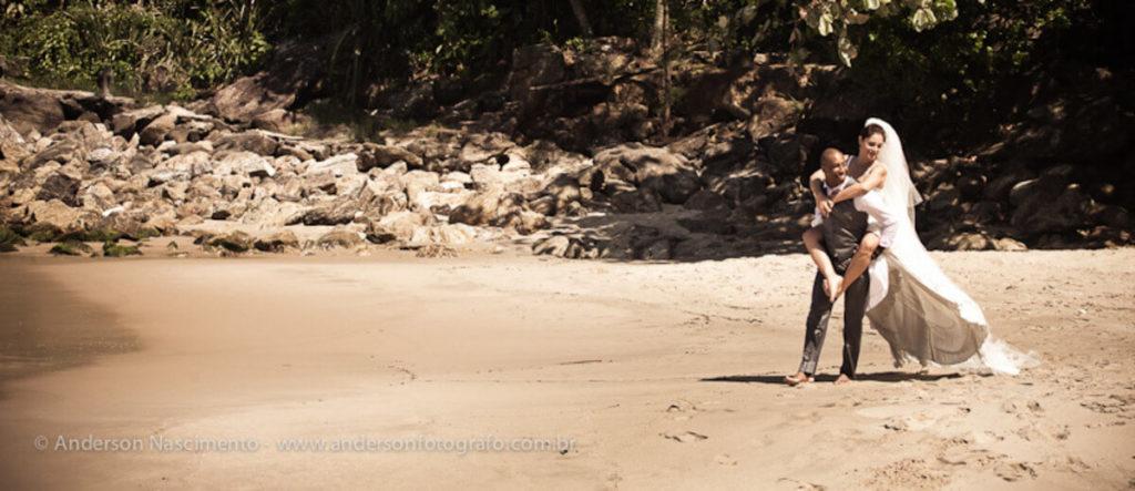ensaio-fotografico-casal-praia-do-eden2