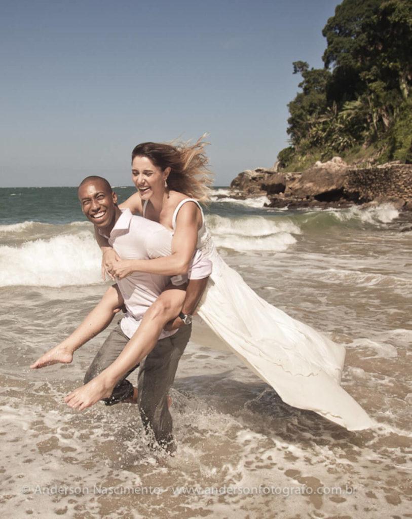 ensaio-fotografico-casal-praia-do-eden4