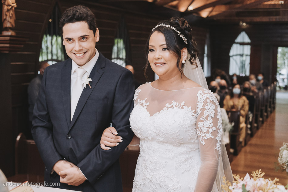 noivos-casamento-capela-sao-pedro-e-sao-paulo