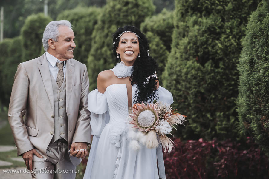 foto-de-noivos-monte-castelo-eventos